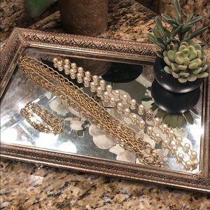 Stella & dot gold chain + extender + pearls
